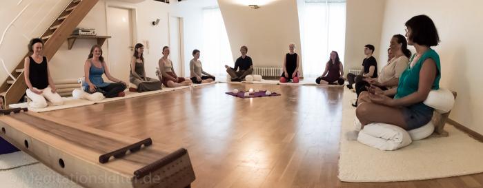 Meditieren im Zentrum heilende Bewegung Berlin Wilmersdorf